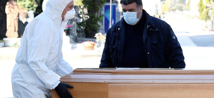 Как проходят похороны инфицированных коронавирусом людей?